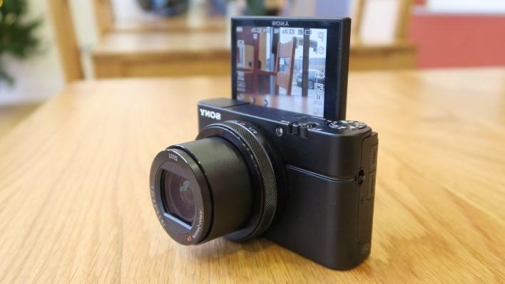 Sony Cyber-Shot RX100 IV vlog kamerası