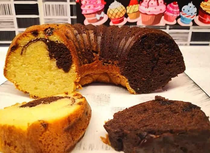 Çift renkli üzümlü çikolatalı kek tarifi