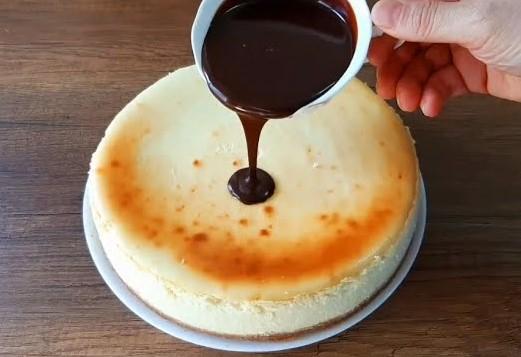 çikolata soslu cheesecake nasıl yapılır? tarifi